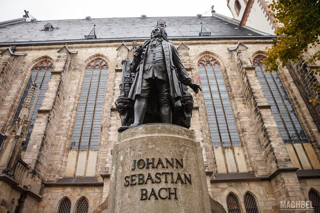 Estatua de Johann Sebastian Bach en Leipzig