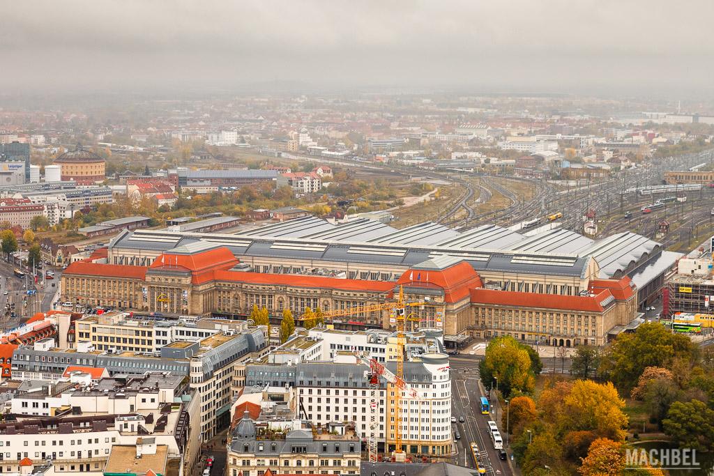 Visión aérea de la estación de tren de Leipzig, la mayor del mundo