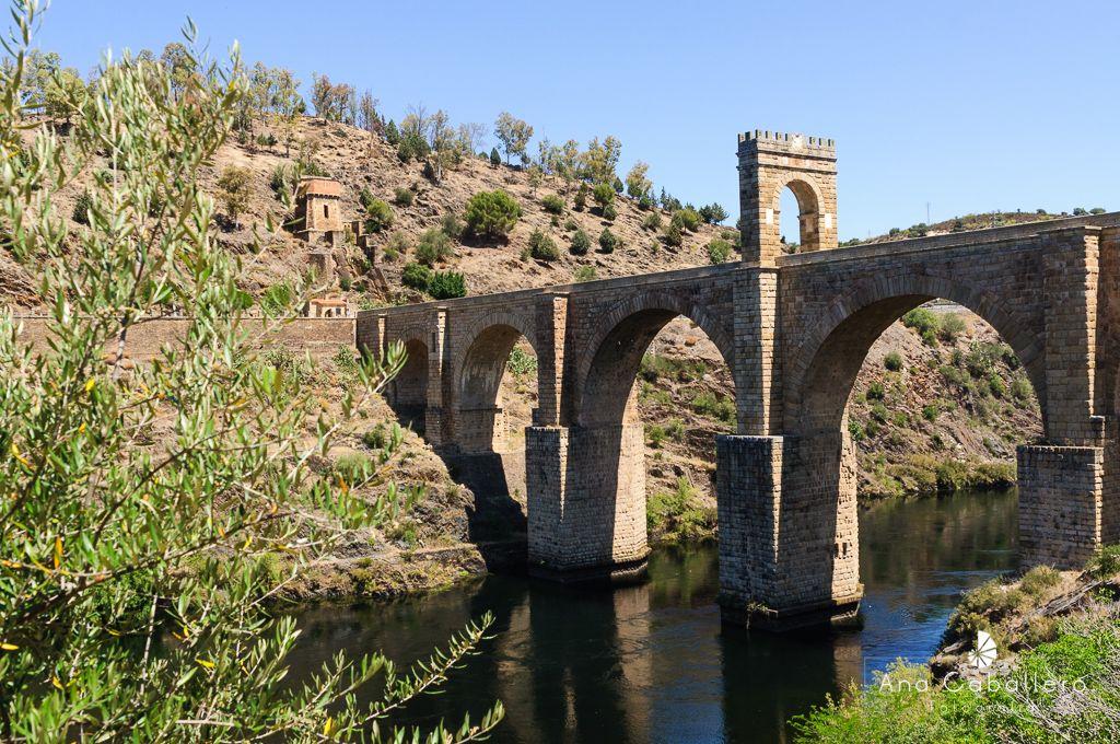 Puente romano de Alcántara del s. II d.C.