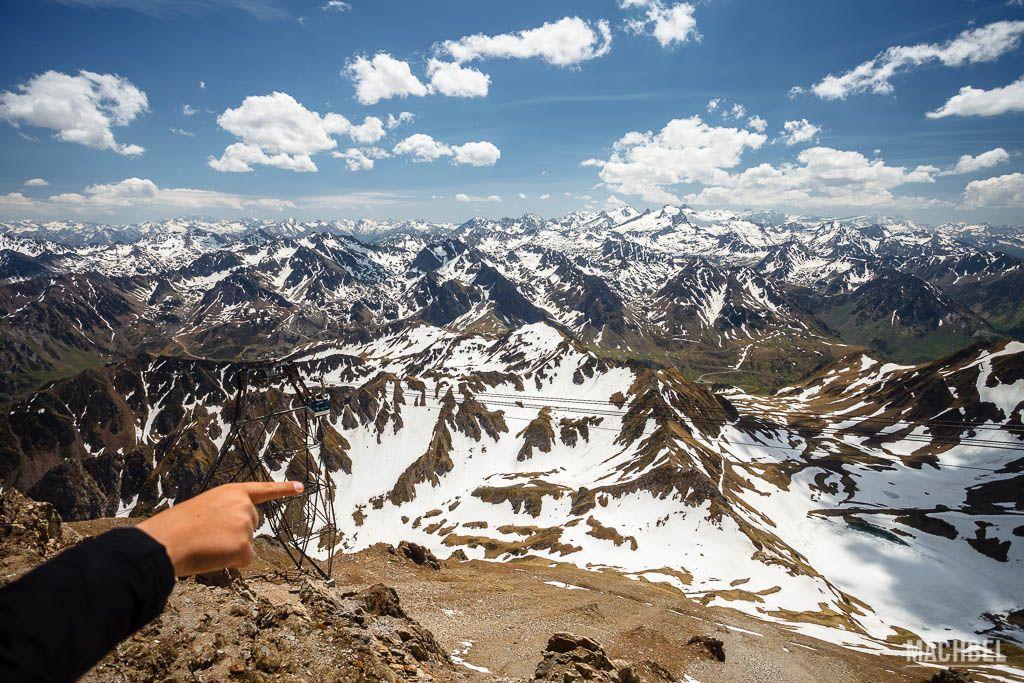 Cordillera de los Pirineos desde el observatorio