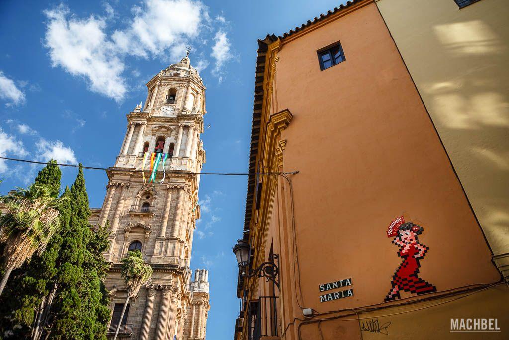 La torre de la catedral de Málaga