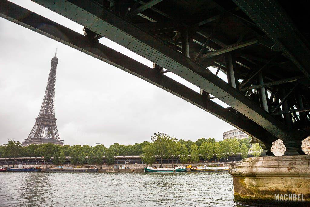 La torre Eiffel desde el crucero por el Sena