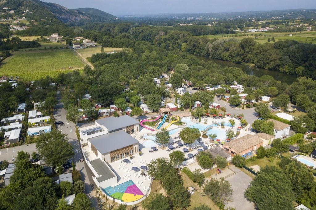 Vista aérea de un camping en Francia