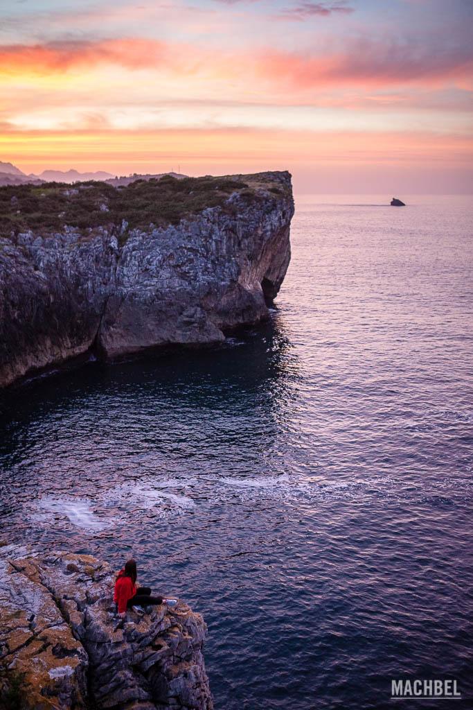 Atardecer sobre la costa asturiana