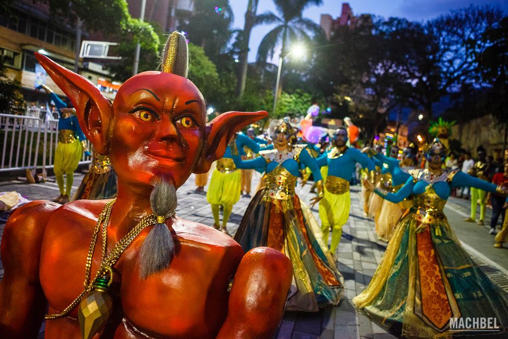 Genios en el desfile de Mitos y Leyendas