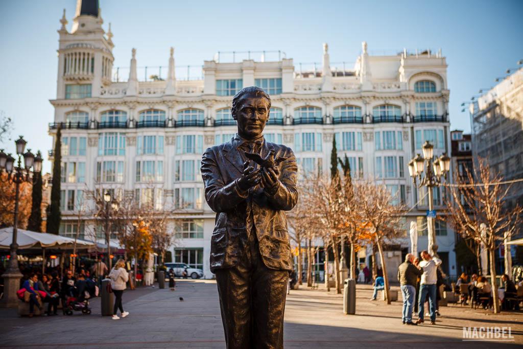 Estatua a Fedrico García Lorca en Santa Ana