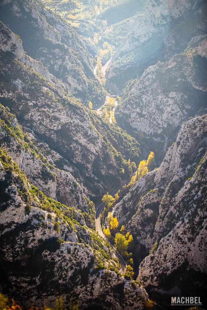Carretera por el desfiladero de la Hermida