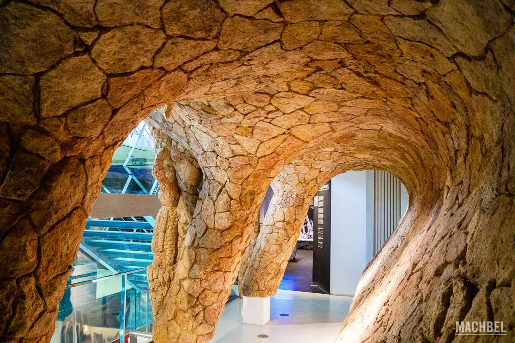 Recreación de la galería del Park Güell en el Centro Gaudí d