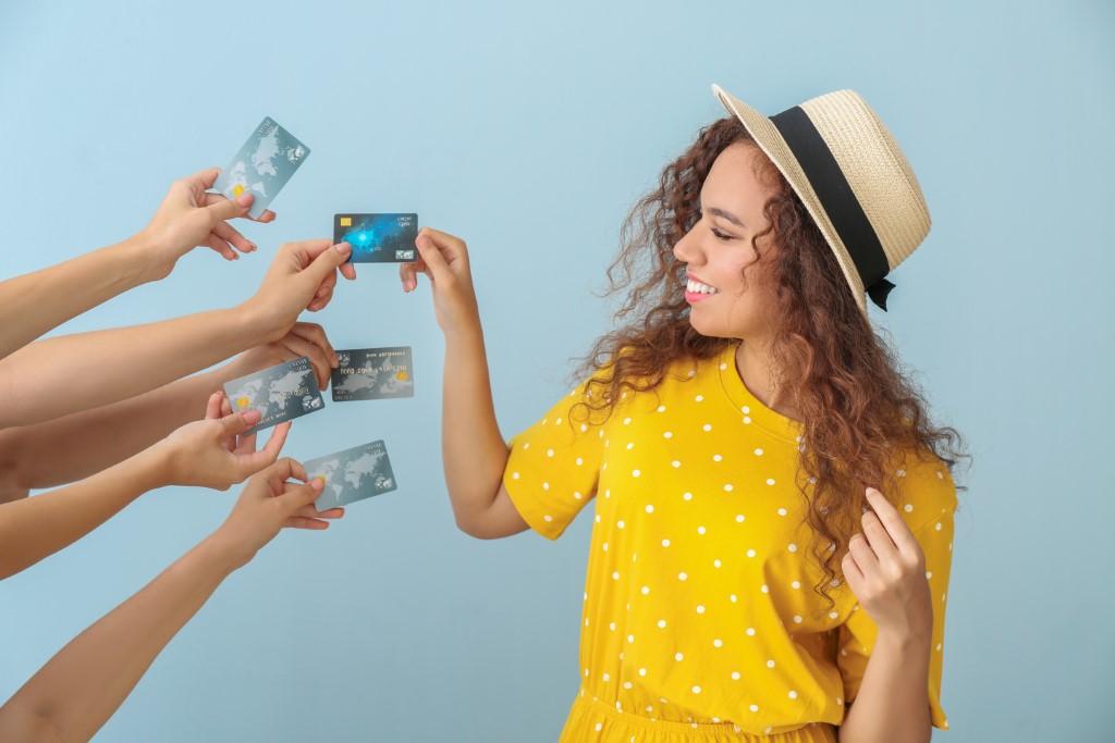 Escoger tarjeta de crédito y débito