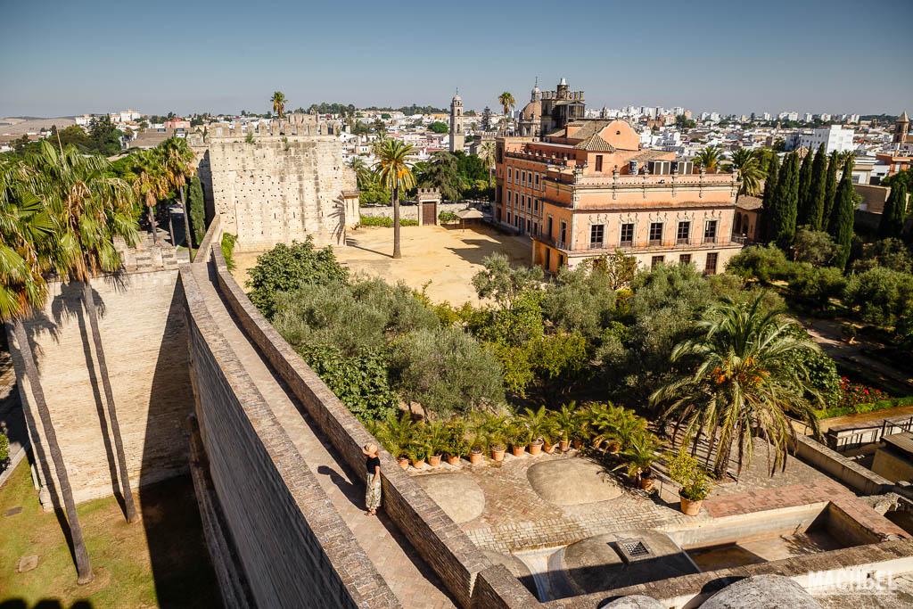 Jardines y murallas de la alcazaba de Jerez de la Frontera