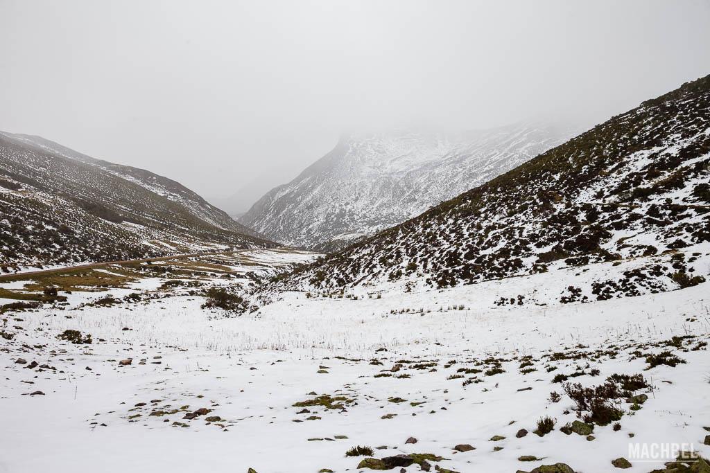 Alto de la Farrapona con nieve