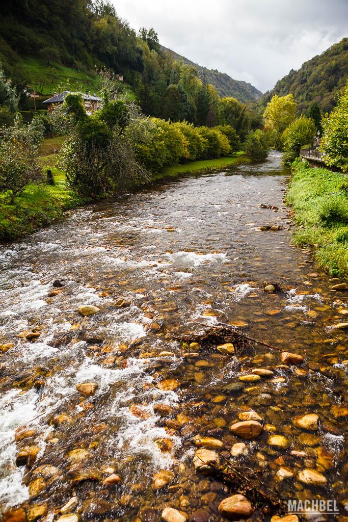 Río Pigüeña a su paso por Belmonte de Miranda