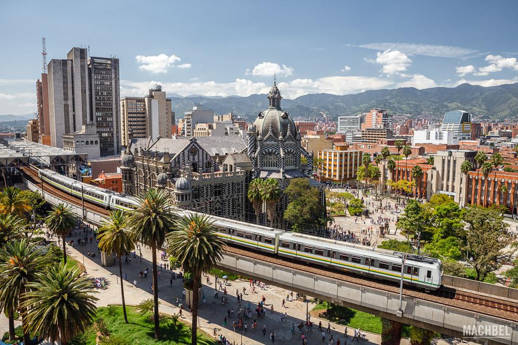 Plaza Botero y Palacio de la Cultura desde el Hotel Nutibara