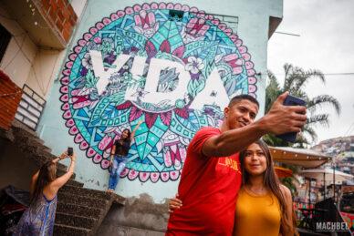 Vida en Comuna 13 de Medellín, Colombia