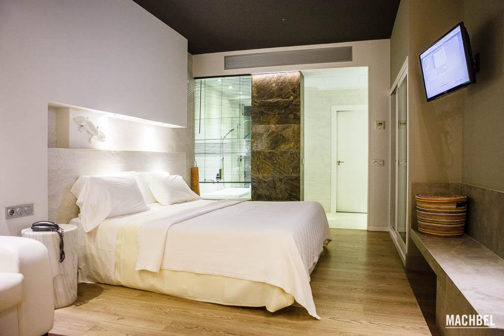 Típica habitación de hotel bueno